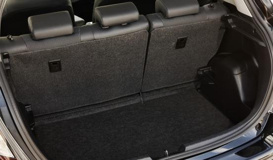 Toyota Yaris HSD maletero