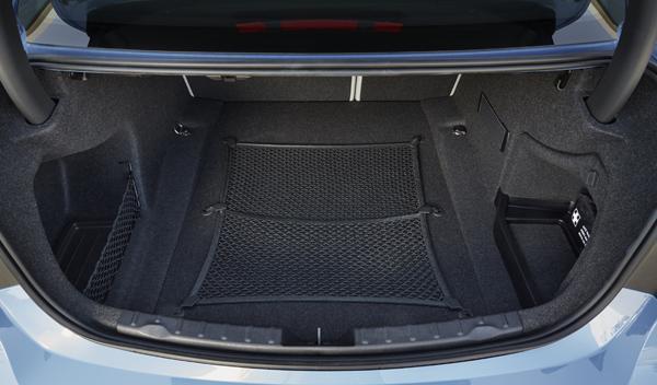 Nuevo BMW M3 maletero