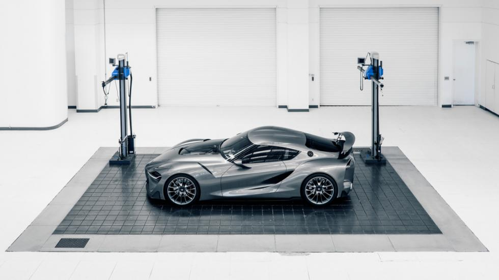 Toyota FT-1 concept lateral garaje