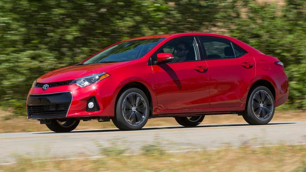 Toyota Corolla cuatro puertas versión americana