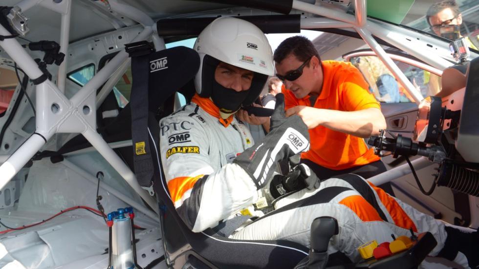 Maxi Iglesias con el Seat León Cup racer