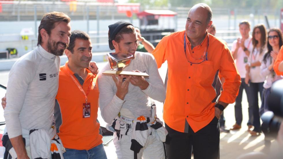 Jordi Gené junto con Maxi Iglesias y Santi Millán en el reto Seat