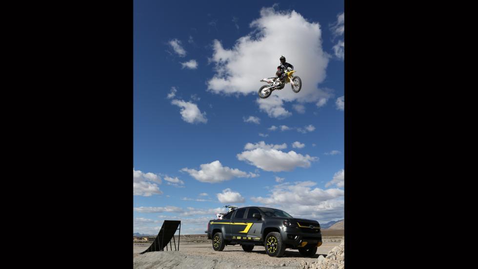Chevrolet Colorado Performance Concept - Ricky Carmichael - salto