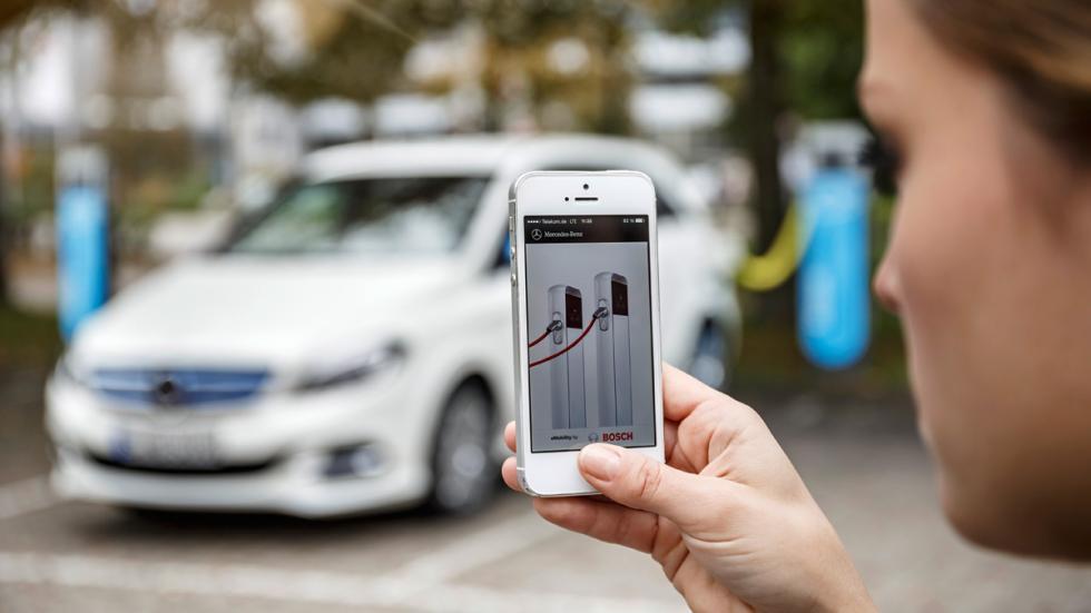 Mercedes Clase B Electric Drive smartphone