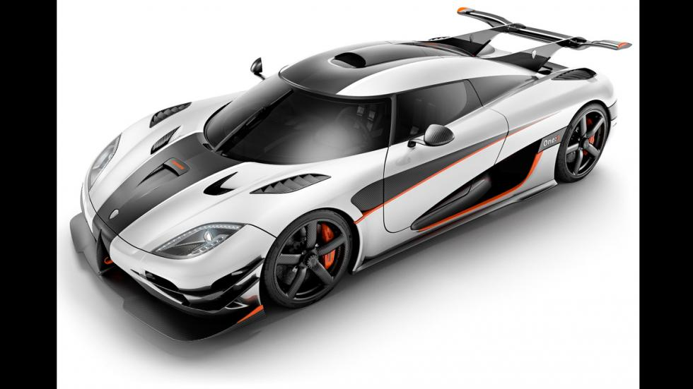 Koenigsegg Agera One:1- frontal