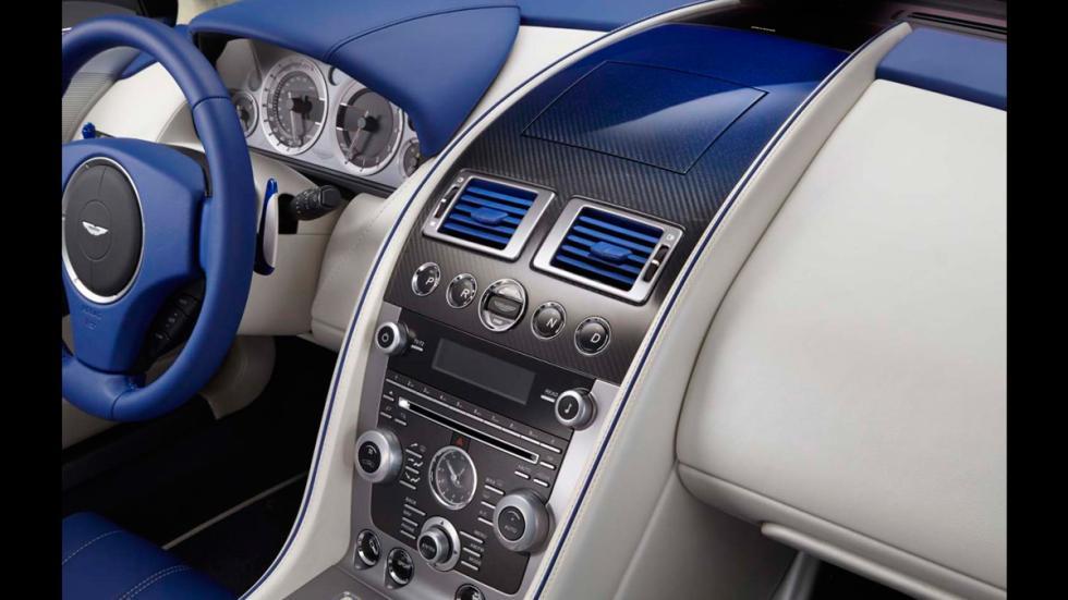 Aston Martin DB9 Volante Morning Frost - salpicadero