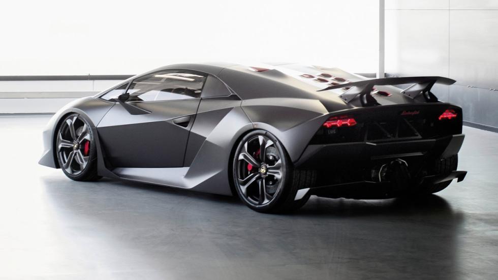 Cinco Lamborghini extremos Lamborghini Sesto Elemento trasera