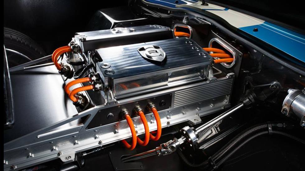 Cinco coches eléctricos extremos Renovo Coupé motor