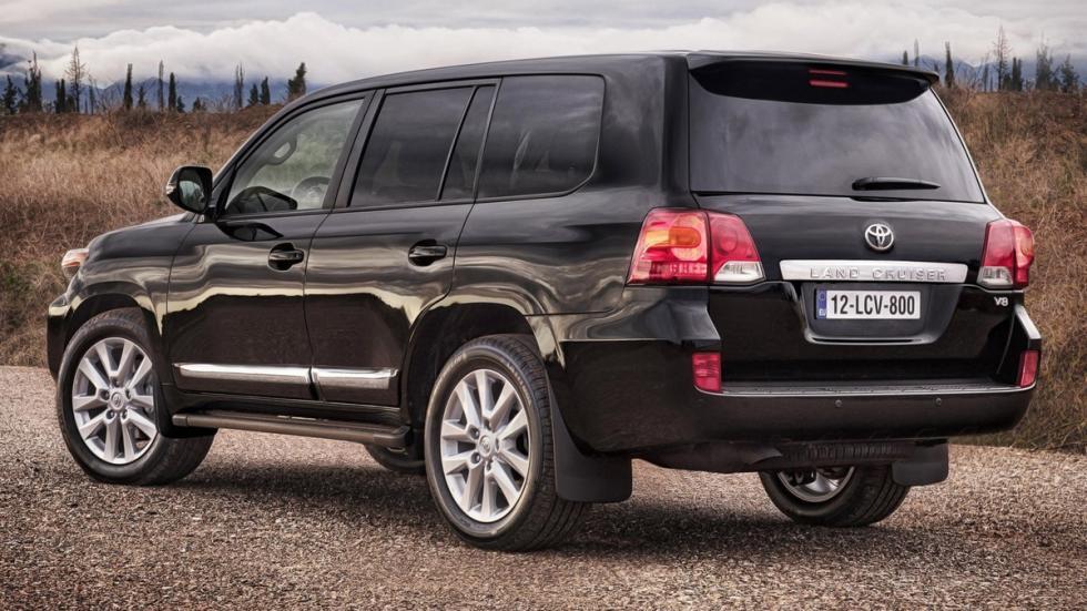 Suv más lujosos Toyota Land Cruiser 200 zaga