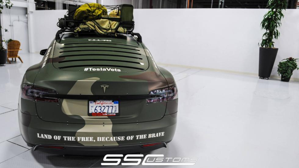 Tesla Model S camuflaje - trasera