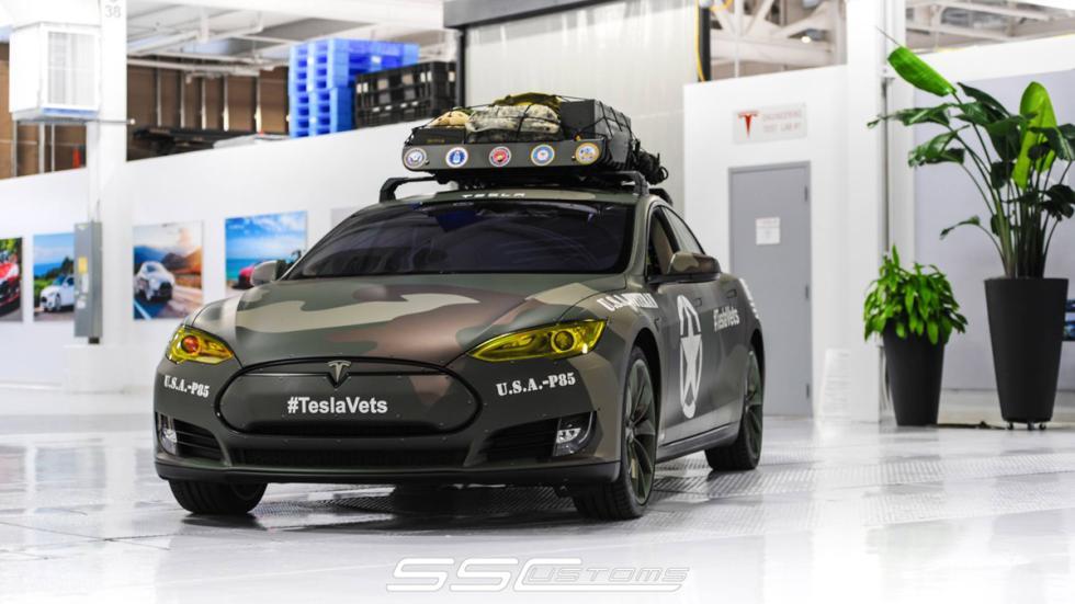 Tesla Model S camuflaje - exposición