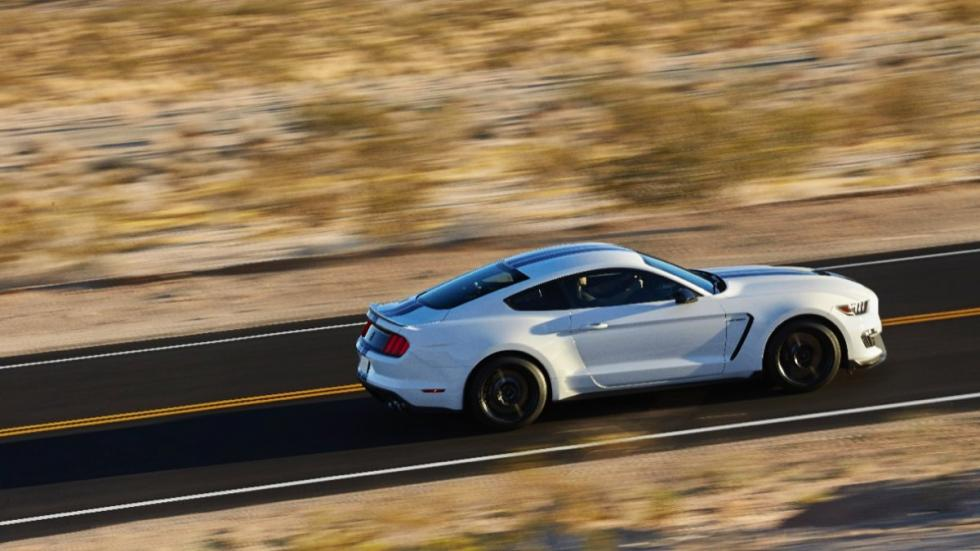 Shelby GT350 Mustang lateral