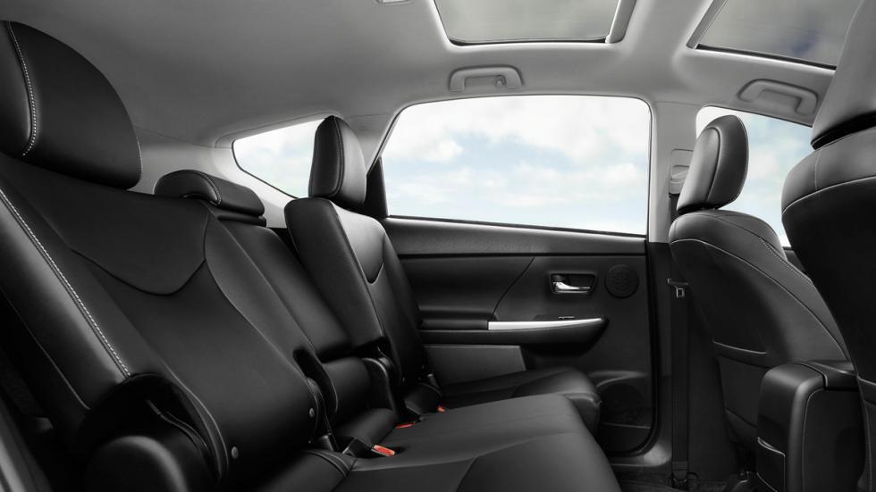 Toyota Prius v 2015 interior