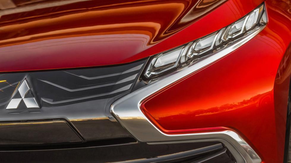 Mitsubishi XR-PHEV Concept - óptica delantera