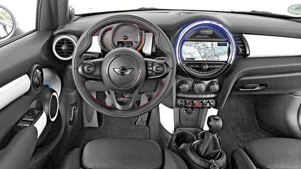 Mini Cooper 5p interior
