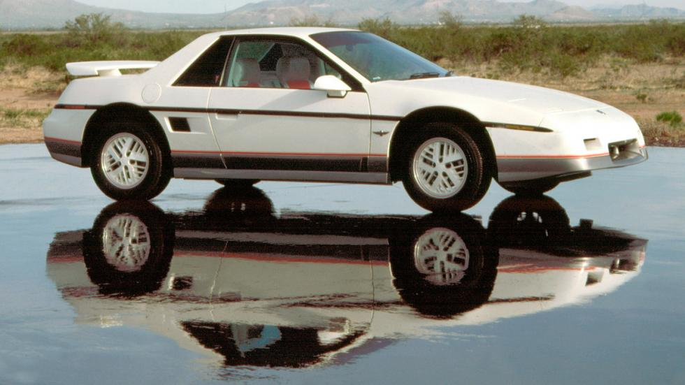 Pontiac Fiero - frontal 1984