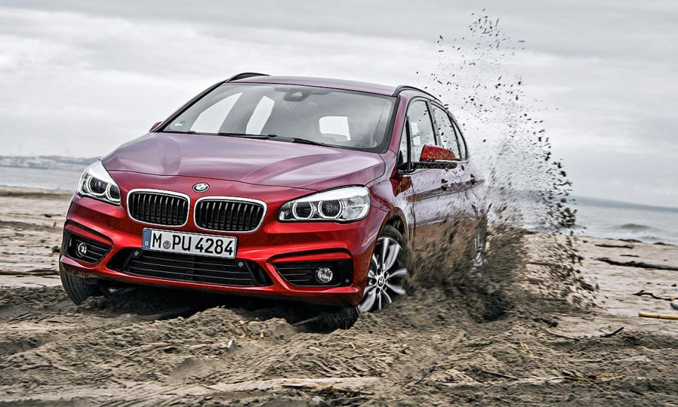 BMW Serie 2 Active Tourer xDrive morro en barro