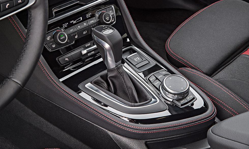 BMW Serie 2 Active Tourer xDrive palanca del cambio