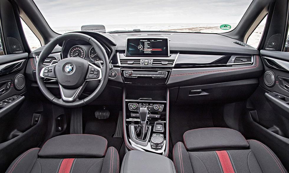 BMW Serie 2 Active Tourer xDrive palanca del cambio y salpicadero