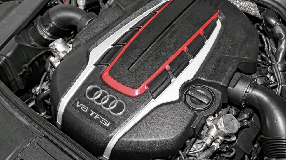Audi-S8-motor