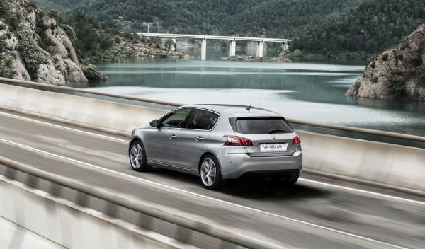 Peugeot 308 2014 lateral trasera