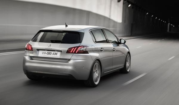 Peugeot 308 2014 trasera