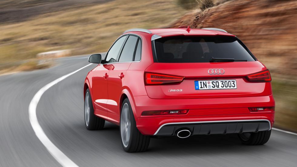 Audi RS Q3 tres cuartos trasero en movimiento