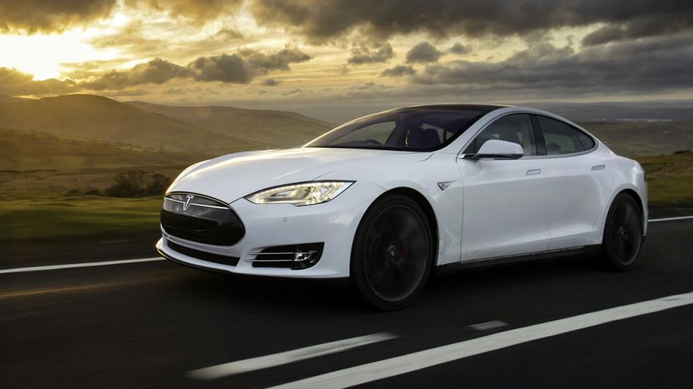 Cinco coches deportivos prácticos Tesla Model S