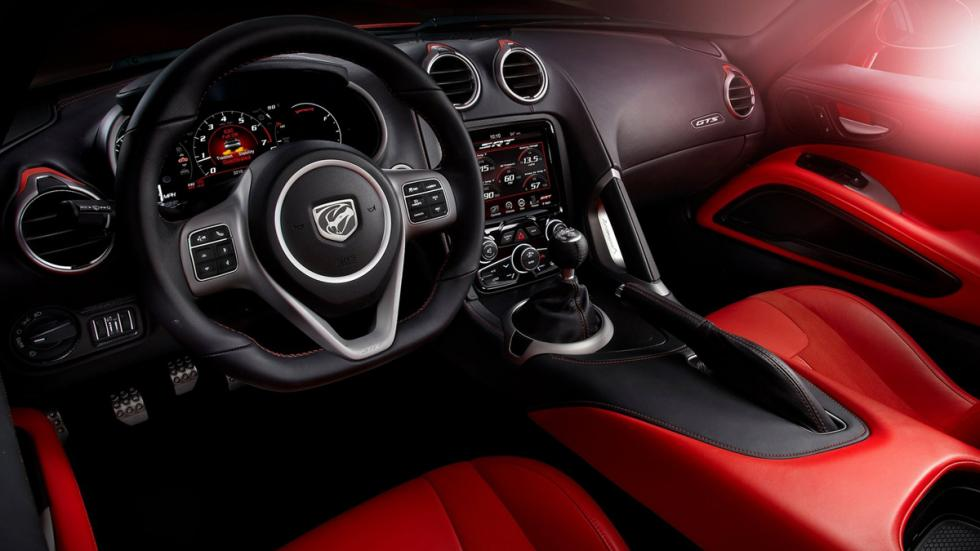 Deportivos sólo cambio manual Dodge Viper SRT Interior
