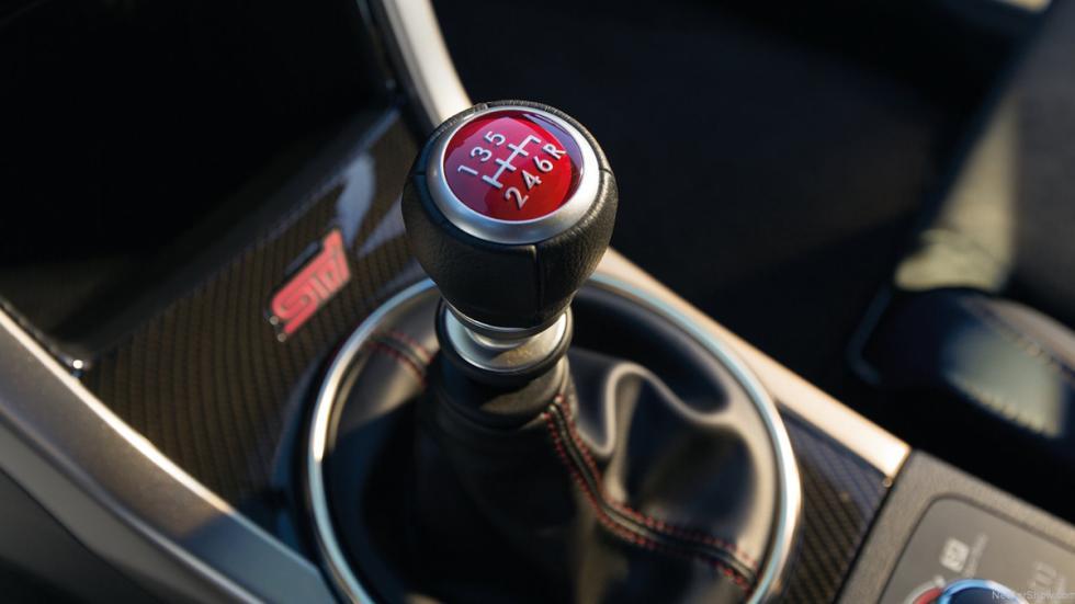 Deportivos sólo cambio manual Subaru WRX STI interior