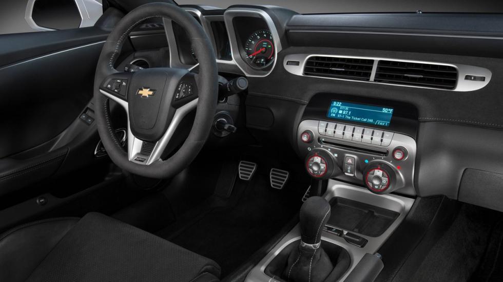 Deportivos sólo cambio manual Chevrolet Camaro Z28 interior