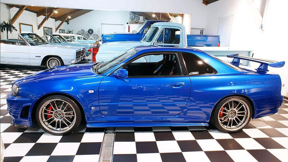Nissan GT-R Skyline lateral