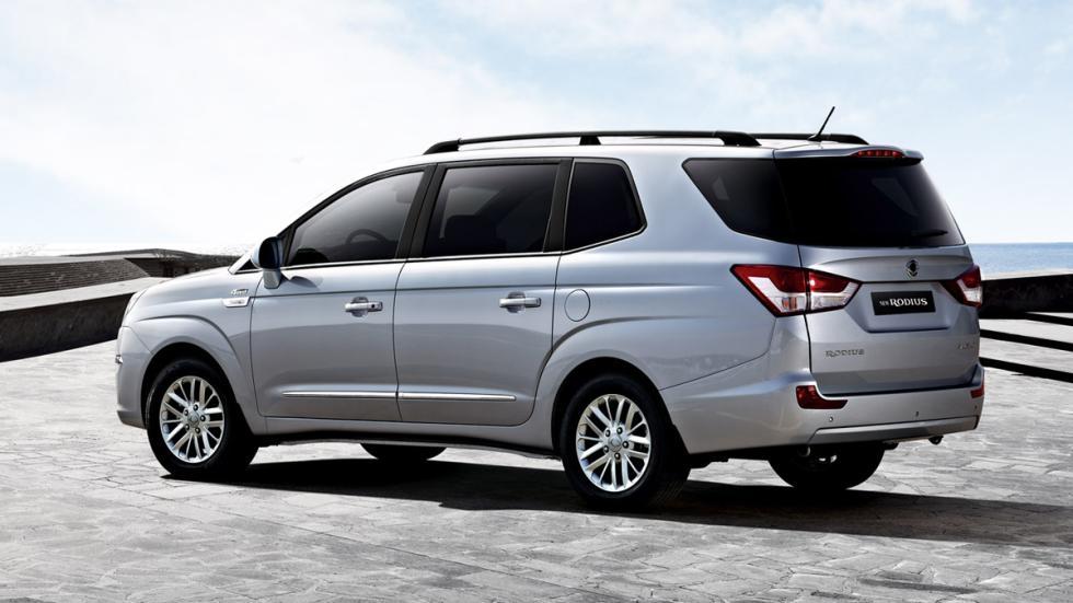 mejores vehículos viajar invierno SsangYong Rodius zaga