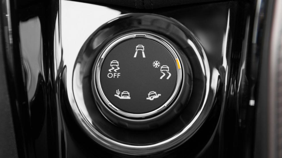 mejores vehículos viajar invierno Peugeot 2008 interior