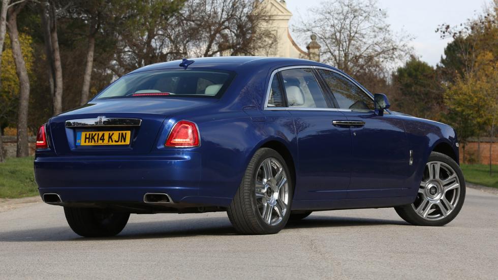 Rolls-Royce Ghost Series II trasera