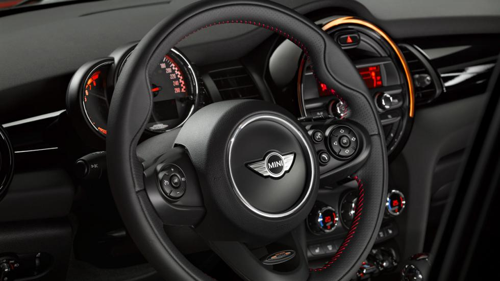 Mini John Cooper Works 2014 volante