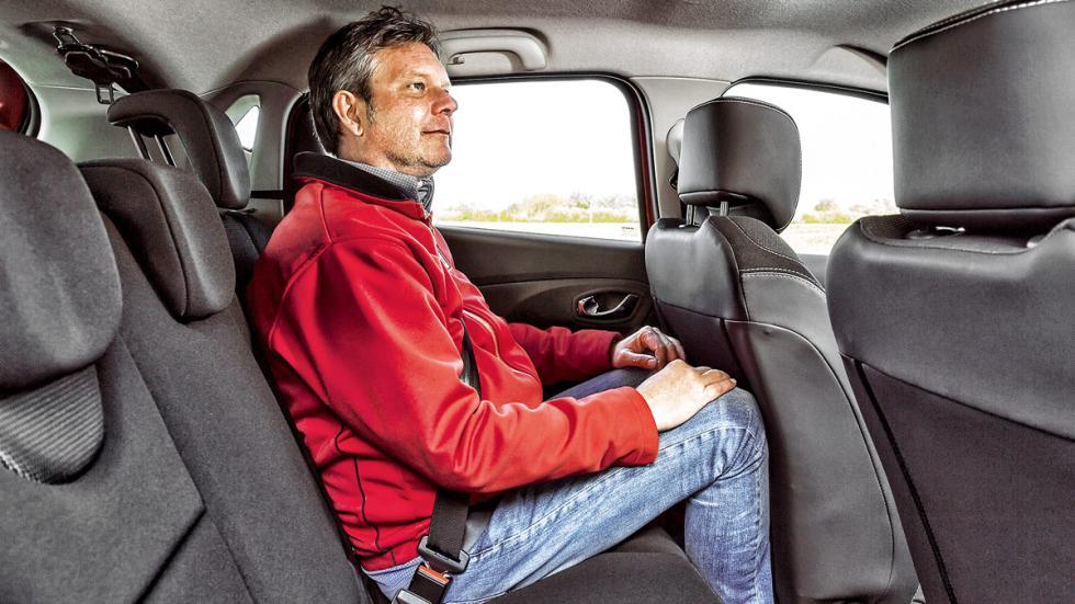 Renault Clio plazas traseras