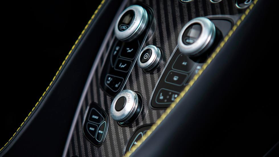 Aston Martin Works 60th Anniversary Vanquish consola central