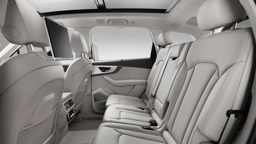 Audi Q7 2015 asientos traseros