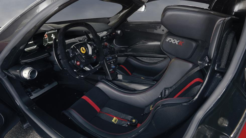 datos curiosos Ferrari FXX K interior