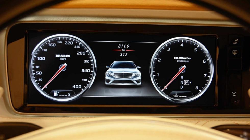 Mercedes S 63 AMG Brabus tacómetro
