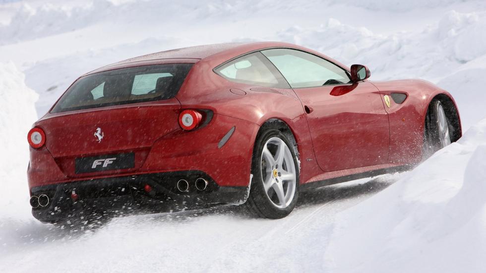 Mejores deportivos invierno Ferrari FF zaga