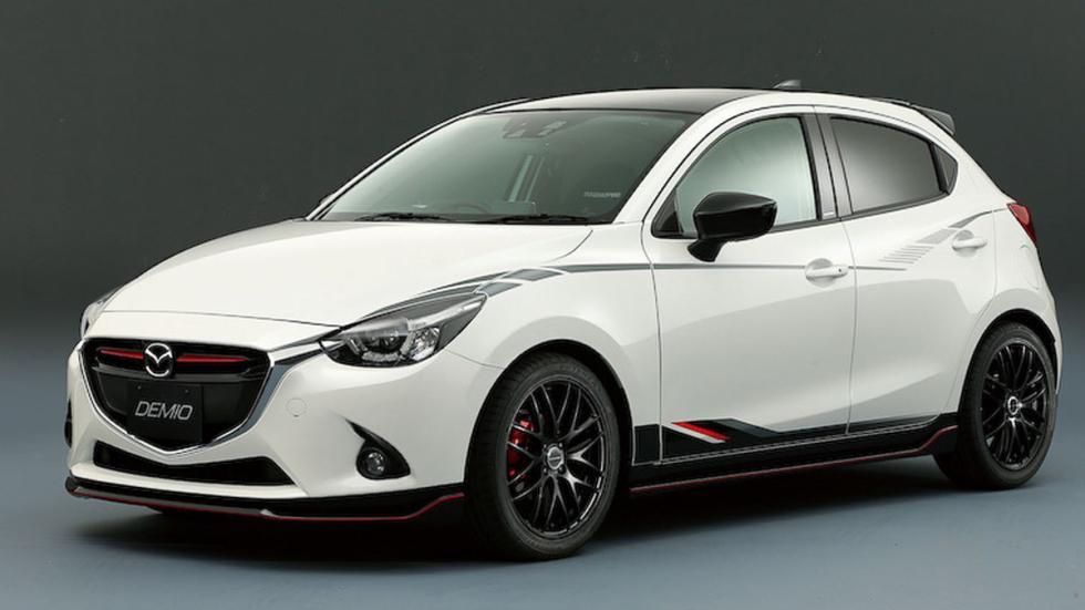 Mazda Demio tres cuartos delanteros