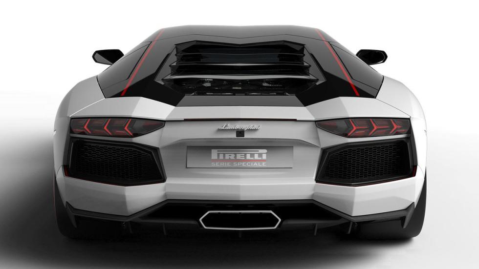 Lamborghini Aventador LP700-4 Pirelli Edition placa