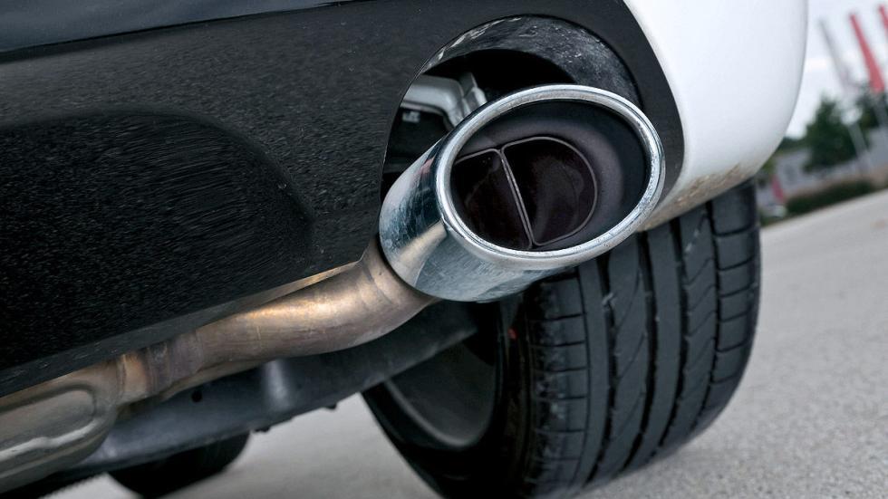 Volkswagen Scirocco R escape