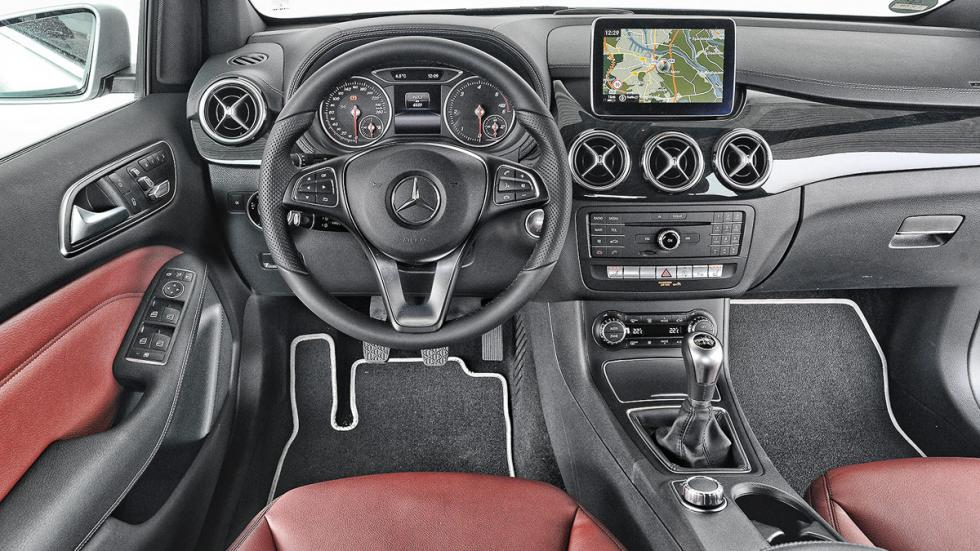 Comparativa Serie 2 Active T/Clase B/Golf Sportsvan