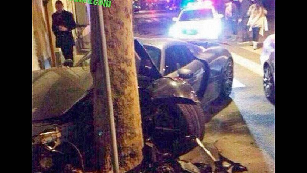 Accidente Porsche 918 Spyder árbol perspectiva Shanghai