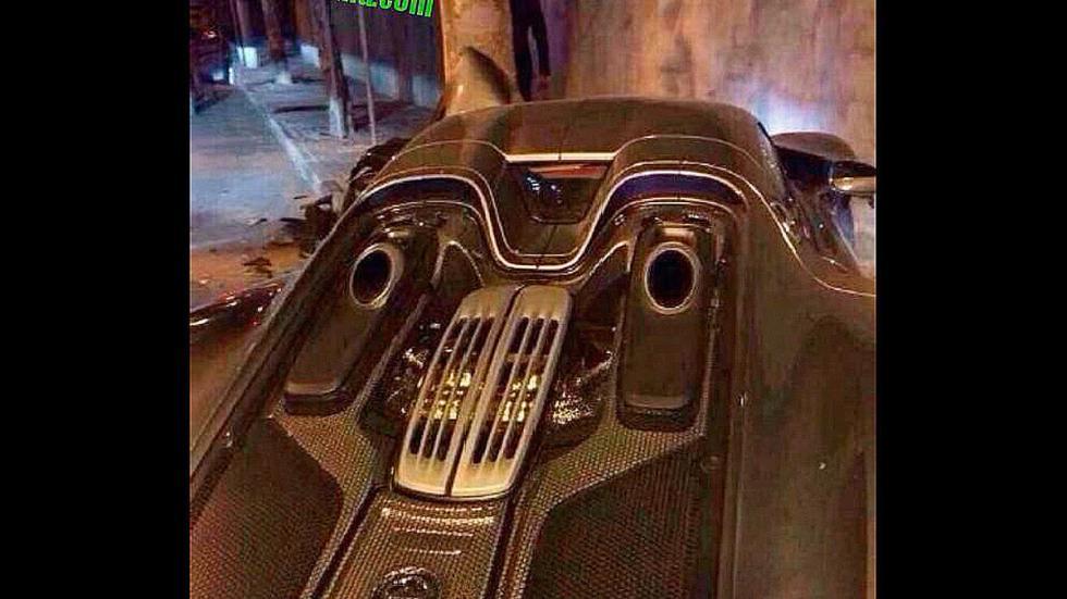 Accidente Porsche 918 Spyder de cerca vista trasera