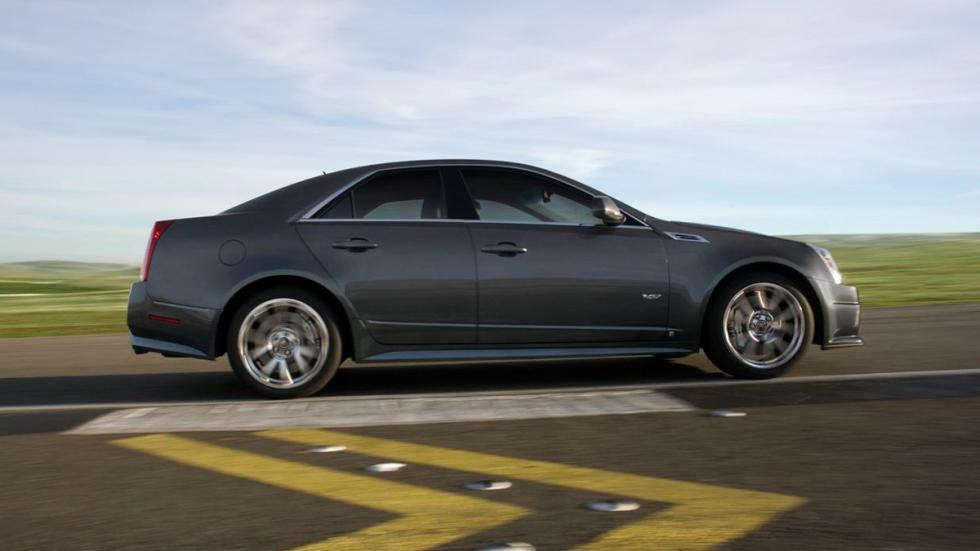 Cadillac CTS-V lateral