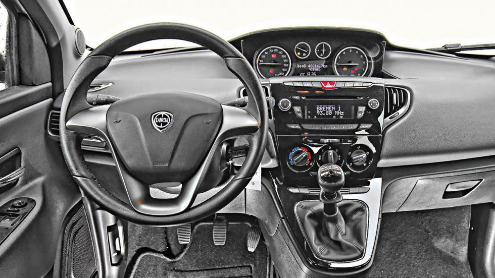 Salpicadero Lancia Ypsilon